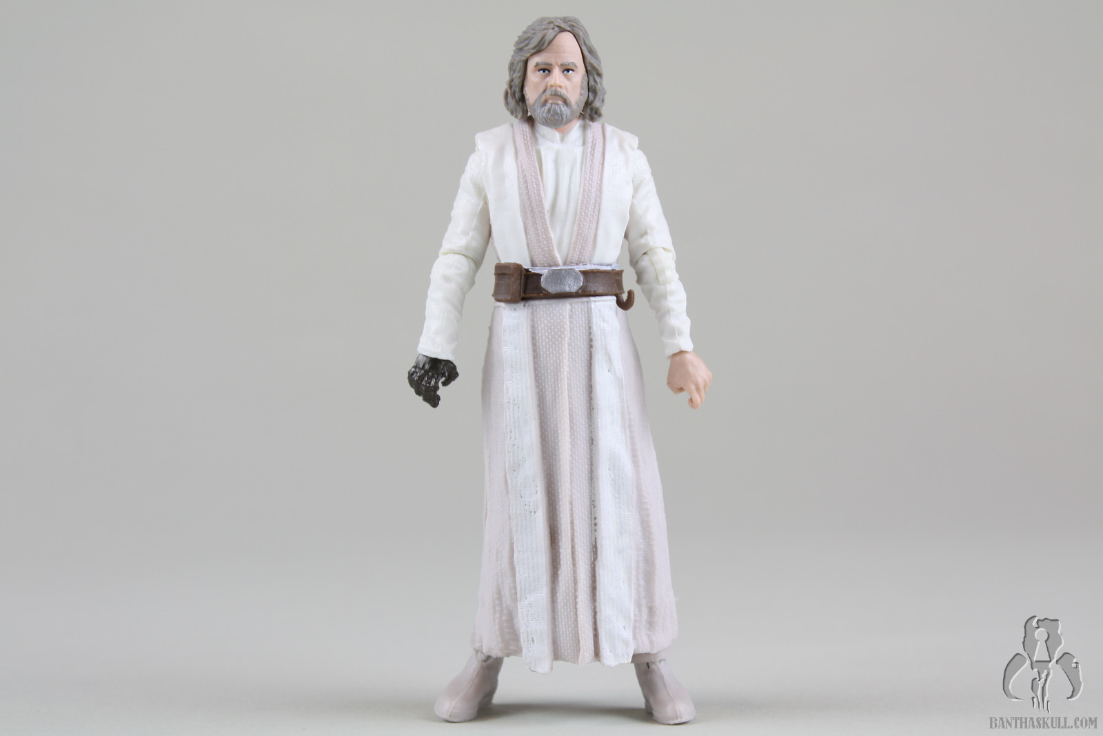 Review And Photo Gallery Star Wars The Black Series Tbs3 Luke Skywalker Jedi Master 2017